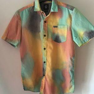 Boys medium volcano shirt size M